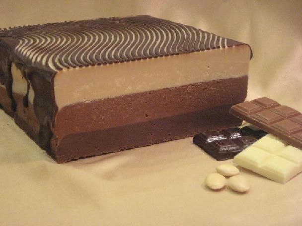 Bloque turrón 3 chocolates 3 kg.